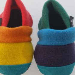 KeeWeeFeet Slippers – Rainbow