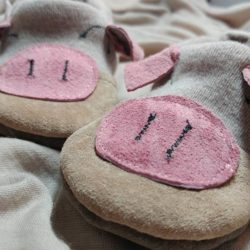 KeeWeeFeet Slippers – Sleepy Piggy